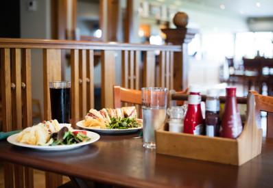 Sports Bar Lunch Bar